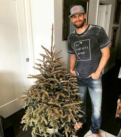 haha I guess his tree did kick our tree's asses ❤️ Country Music Stars, Country Singers, Chase Rice, Justin Moore, Thomas Rhett, Florida Georgia Line, Scotty Mccreery, Eric Church, Chris Young