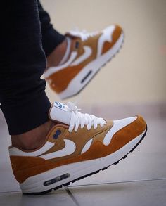 "b1a6220dc43 Everythingairmax on Instagram  "" 1️⃣8️⃣ Nike Air Max 1 OG Retro 2.0 ""Curry""  🍛♨"