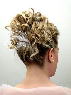 Hairstyle woman for mid-length hair wedding - Hairstyle woman for mid-length hair wedding - Hair Dos For Wedding, Elegant Wedding Hair, Trendy Wedding, Romantic Hairstyles, Bride Hairstyles, Bridal Hair Updo, Hairstyle Wedding, Wedding Hair Inspiration, Mid Length Hair