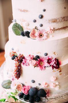 cake from The Big Fake Wedding in Atlanta http://www.trendybride.net/the-big-fake-wedding-atlanta/ #trendybride