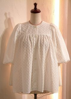 SPRING 2020 S/S COCOdake COuture White Cotton Lawn Lace Flower Embroidery Gathered Blouse Puff sleeves Balloon sleeves shirt Top Boxy US 8 - US 9 Large Balloon Sleeves, Flower Embroidery, Lace Flowers, Puff Sleeves, Couture Collection, White Cotton, Lawn, Ruffle Blouse, Spring