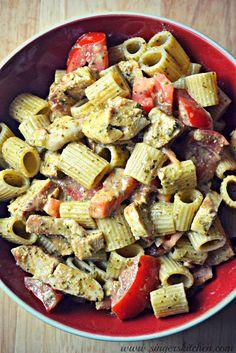 An Opera Singer in the Kitchen: Secret Recipe Club: Simple Chicken Pesto Pasta