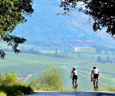 The top 5 routes to cycle in Tuscany, Italy.