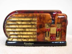 radio - art deco design, Firestone 'Air Cheif' bakelite - (vintage lady, communication, entertainment, World War II era) Poste Radio Vintage, Vintage Tv, Vintage Antiques, Vintage Items, Art Nouveau, Retro Radios, Antique Radio, Art Deco Furniture, Art Deco Design