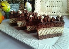 Fancy Desserts, Pastry Cake, Good Mood, Tiramisu, Cake Decorating, Sweets, Cupcakes, Cooking, Ethnic Recipes