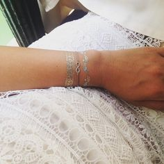 #flashtattoo, #goldentattoo and our Infinity #bracelet for a stylish #summer #look. Repost of @mrsveruschka #leafschmuck #leafjewelry