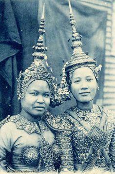 1922 Cambodian Dancers. S)