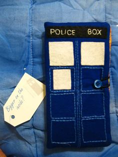 TARDIS wallet. Made by lilusa. Doctor Who Round 7 Swap.