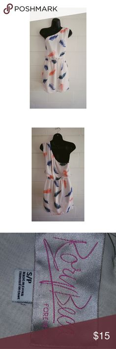 Forever 21 feather print dress One shoulder feather print dress with minor flaw see pictures Forever 21 Dresses One Shoulder