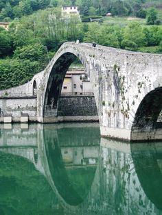 Ponte del Diavolo (Devil's Bridge), crosses the Serchio river a few kilometres from Bagni di Lucca, in Borgo a Mozzano, Italy
