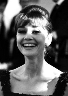 Audrey Hepburn at The Flame Cinema in Rome for the Italian premiere of Breakfast at Tiffany's, November 17th, 1961! ❤️Aline