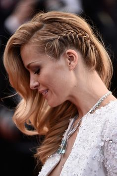 26 Devastatingly Gorgeous Celebrity Beauty Looks From Cannes 2015 - Trança embutida lateral – Celebrity Hair and Makeup at Cannes Film Festival 2015 Evening Hairstyles, Party Hairstyles, Everyday Hairstyles, Celebrity Hairstyles, Wedding Hairstyles, Cool Hairstyles, Hairstyle Ideas, Hair Ideas, Elegant Hairstyles