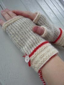 Tvåändsstickning - Swedish Twined knitting by Dödergök Arm Knitting, Knitting Stitches, Knitting Patterns, Knit Mittens, Knitted Gloves, Fingerless Mitts, Wrist Warmers, Knitting Accessories, Couture