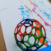 Big Art - Lots of ideas for getting little kids involved in Art activities and investigations.