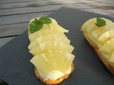 Eclairs à l'ananas Fun Food, Good Food, Pineapple, France, Dreams, Baking, Fruit, Eat, Desserts
