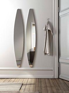 Oval wall-mounted #mirror DIOSCURI - RIFLESSI