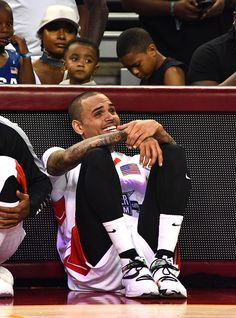 2016 All Star Celebrity Basketball Game - Sept 11 Chris Brown And Royalty, Chris Brown Style, Breezy Chris Brown, Celebrity Outfits, Celebrity Crush, Chris Brown Wallpaper, Chris Brown Pictures, Chirs Brown, Freaky Relationship Goals Videos