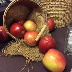 Live Apple-ly Ever After. French Pastry School, French Pastries, Holiday Recipes, Apple, Holidays, Fruit, Live, Twitter, Food