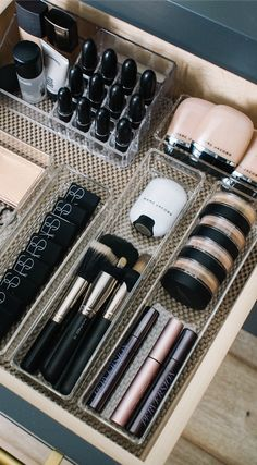 Makeup Vanity Organization Smokey - how i organize my makeup drawers - andee layne Diy Makeup Organizer, Makeup Drawer Organization, Bathroom Organization, Organization Hacks, Makeup Storage Drawers, Bathroom Drawers, Drawer Storage, Makeup Storage For Bathroom, Diy Storage Hacks