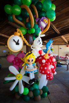 Alice in Wonderland balloon sculpture by Lea Beck #aliceinwonderland, #balloonmanonline, #babyshower,