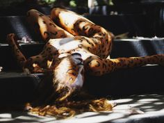 "Onza pintada modelo Thabata Marques. Local Espacio cultural "" A casa do Cachorro Preto. Olinda Pernambuco. Brasil 2014. Maquiagem de Sabrina Blasco.     www.sabrinablasco.com"