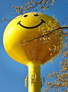 Happy Smile, Make Me Smile, Childhood Memories 90s, Bad Life, Good Mental Health, Water Tower, Having A Bad Day, Smile Quotes, Good Mood