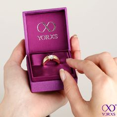Find your perfect engagement ring at #Yorxs #Verlobungsring