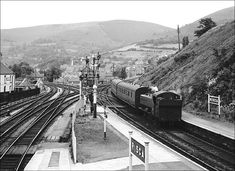 Newport Gwent, Old Train Station, Buses And Trains, Steam Railway, British Rail, Train Pictures, Cymru, Funny Video Memes, Steam Locomotive