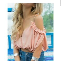 PINK SWEETHEART RUFFLE DETAIL V BACK CROP TOP Super  cute.doesnt fit me . Size small. NWT Tops Crop Tops
