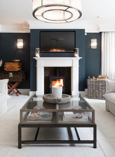 Home Decor Recibidor .Home Decor Recibidor Navy Living Rooms, Blue Living Room Decor, New Living Room, Home And Living, Living Room Designs, Living Room Ideas Uk, Good Living Room Colors, Front Room Decor, Dark Blue Living Room