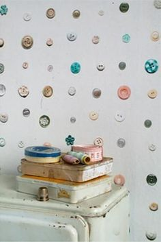 Bonkers About Buttons: Button Wallpaper - Studio Ditte