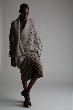 "purlonpearl: "" (via Vintage Issey Miyake Cocoon Sweater Knitwear Fashion, Knit Fashion, Stylish Outfits, Cool Outfits, Fashion Outfits, Fashion Tips, Fall Winter 2017, Cocoon Sweater, Lookbook"