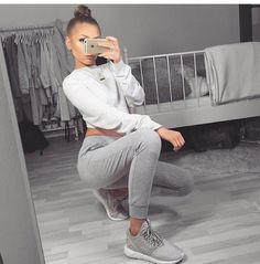 Pinterest @LitAF Outfits  Spring Outfits, Fall Outfits and Fashion Ideas for School outfits, monochromatic outfits.