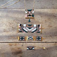 Amahlé / Vert & Rose / Collection Ndebele / Modèles / Ethnique Chic / Sautoir / Bracelet / Manchette