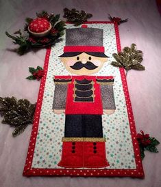Christmas Quilt Patterns, Christmas Applique, Christmas Embroidery, Christmas Quilting Projects, Christmas Patchwork, Crewel Embroidery Kits, Machine Embroidery Projects, Ribbon Embroidery, Machine Applique