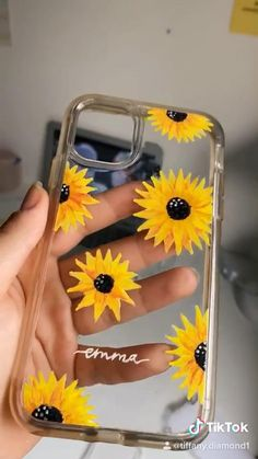 Art Phone Cases, Phone Covers, Girly Phone Cases, Iphone Cases, Iphone 11, Diy Resin Phone Case, Diy Phone Case Design, Diy Mobile Cover, Diy Coque