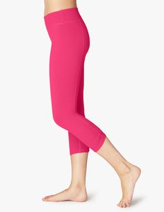 0fcee350a9e963 68 Best Workout images | Capri leggings, Fitness fashion, Belly button