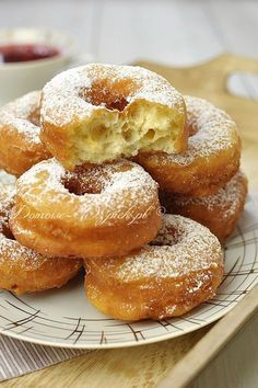 Oponki serowe Bakery Recipes, Dessert Recipes, Cooking Recipes, Good Food, Yummy Food, Sweet Pastries, Sweets Cake, Polish Recipes, Beignets