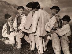 """""""Slovensko"""" : Photography Karel Plicka European Countries, Album, Czech Republic, Old Photos, Couple Photos, Photography, Life, Europe, Fotografia"""