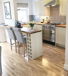 small shaker kitchen … I've looked at 5 diff photos of this space and can't find where the fridge is … Kitchen Diner Extension, Open Plan Kitchen, Kitchen Layout, Kitchen Design, Kitchen Dinning, Living Room Kitchen, New Kitchen, Kitchen Decor, Kitchen With Bar Counter