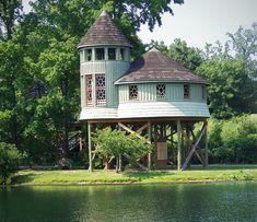 Lewis Ginter Botanical Garden Tree House – http://treehouselove.com/post/74187002604/lewis-ginter-botanical-garden-tree-house