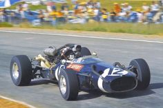 Jo Siffert (Cooper-Maserati T81) at the 1967 South African Grand Prix, Kyalami