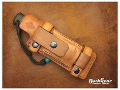 Gaine de couteau à la main en cuir KS005 par BushgearLeatherworks