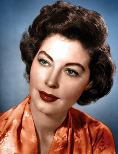 I adore Ava Gardner. I find her one of the most incredible actresses to have graced the silver screen as well as my style icon solely based . Ava Gardner, Vintage Glamour, Vintage Beauty, Vintage Hollywood, Classic Hollywood, Hollywood Glamour, Divas, The Sun Also Rises, Retro Makeup