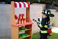 When the bell sounds and the firefighters get going, the truck takes you to a blazing hot Firetruck Birthday Party here at Kara's Party Ideas! Fireman Party, Firefighter Birthday, Birthday Party Games, 4th Birthday Parties, Party Party, Party Ideas, 3rd Birthday, Party Activities, Activities For Kids