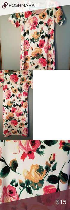 Honey and lace dress Never worn, has been washed, floral print, size medium, knee length. All offers and trades are welcomed! Honey and Lace Dresses Midi