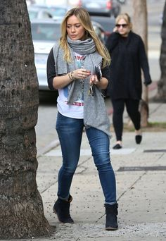 hilary duff Archives - Page 28 of 69 - Celebrities in Designer Jeans from Denim Blog