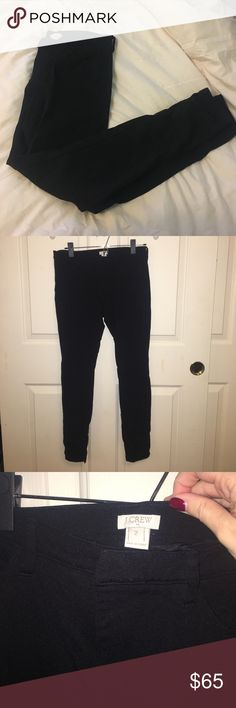 Jcrew gigi pant Used to wear these all the time and now they're too small and haven't even tried reaching for them recently. They are the perfect mix between legging and work pant though. they are so stretchy and comfortable but at the same time look presentable for the office! J. Crew Pants Skinny