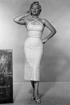 50s Marilyn - very Yin hips, Romantic body type