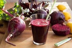 This Powerful Ingredient in Beets Lowers High Blood Pressure Fast Diet Recipes, Cooking Recipes, Healthy Recipes, Detox Drinks, Healthy Drinks, Sumo Natural, Easy Detox, Simple Detox, Eat Pray Love